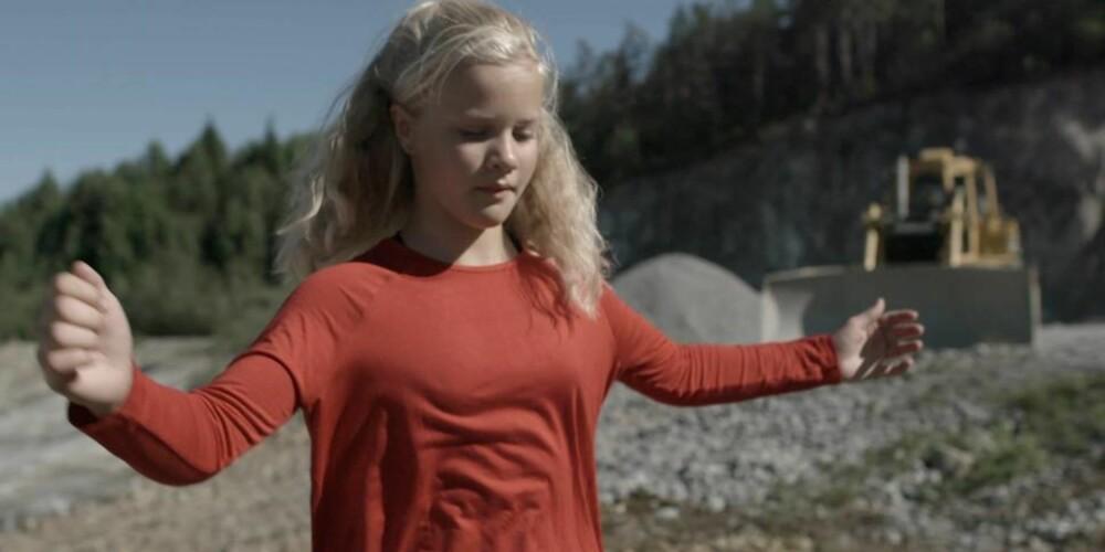 """NORGES BESTE: I filmen """"Med Hjertet I Dansen"""" følger vi blant annet Vilde, som har et mål om å bli Norges beste hallingdanser."""