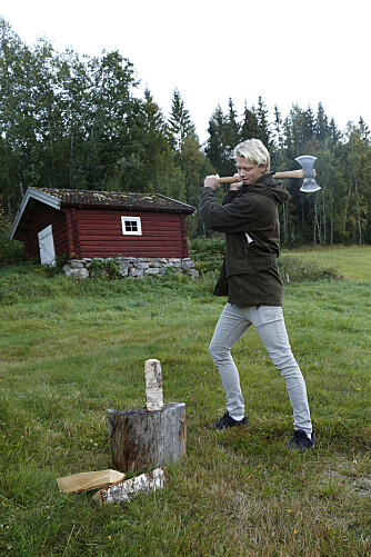 MELLOM BAKKAR OG BERG: Som barn var Eilev aktiv og elsket å finne på sprell med familien. Da var det flott å ha natur, fjell og fjord rett utenfor inngangsdøra.