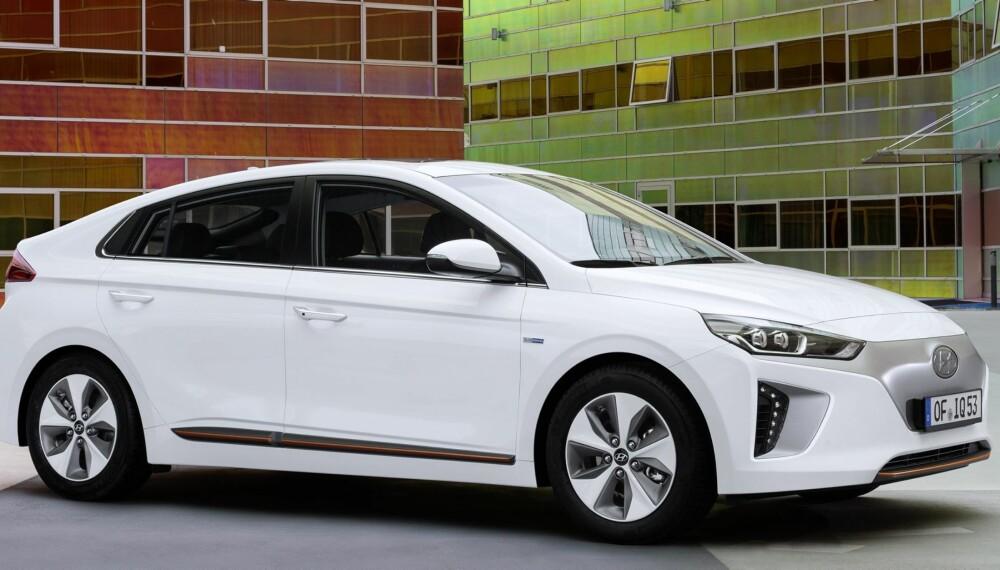 HYUNDAI I FARTA: Hyundai helgarderer og tilbyr tre forskjellige drivlinjer i sin miljøbil, Ioniq. Det har satt fart på salget i Norge.