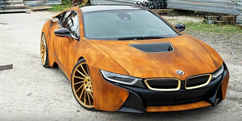 TIDENS TANN: BMWs superhybrid i8 er kjent for å være en av verdens mest fremtidsrettede biler. Vår mening er at det heftige designet tåler rustbehandlingen. FOTO: MetroWrapz