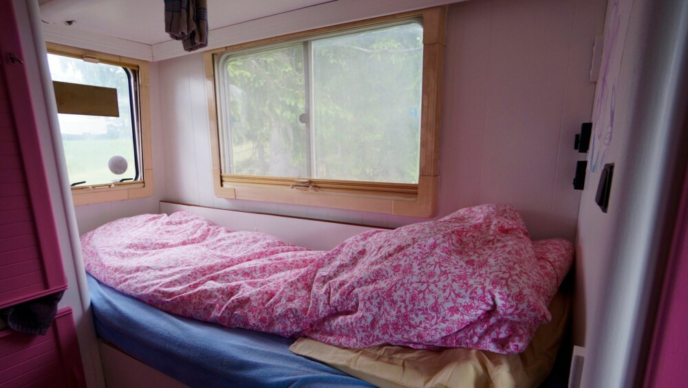 ALL IN: Fargen går igjen over alt - også på sengetøyet.