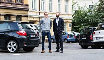 DELINGSØKONOMI: Markedssjef Christoffer Moen (t.v.) og teknisk sjef Christian Hager i Nabobil har samlet over 1000 bileiere som vil leie ut bilen sin til andre.
