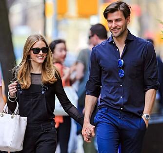 STILFULLT EKTEPAR: Olivia er ofte å se sammen med modell- og fotografektemannen Johannes Huebl. Her gatelangs i New York.