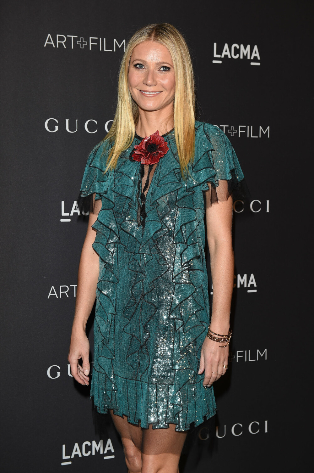 GLATT HÅR: Enkel og fin festfrisyre gjort på null komma niks! Her sett på Gwyneth Paltrow.