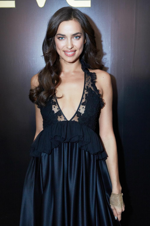STORE BØLGER: En look som er like fin dagen du lager dem som dagen etter. Her sett på modell Irina Shayk.