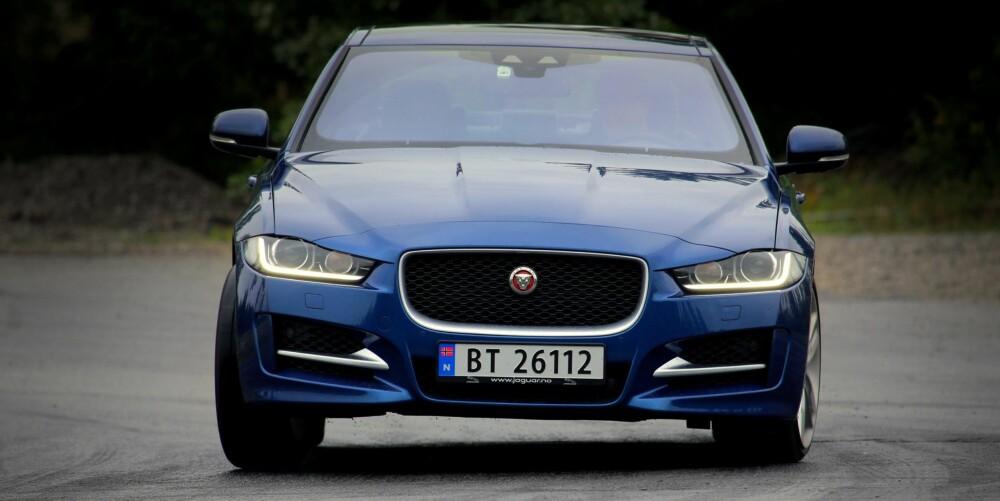 NY MOTOR: Akkurat i tide til at VW-konsernet ødela dieselmotorens rykte, kom Jaguar med sin helt nye tolitersdiesel. Det beste med den er lydbildet - både gange og støynivå er penere enn i de tyske konkurrentene.