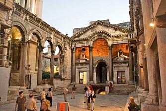 HISTORIE: I havnebyen Split kan du ta og føle på røttene tilbake til romertiden.