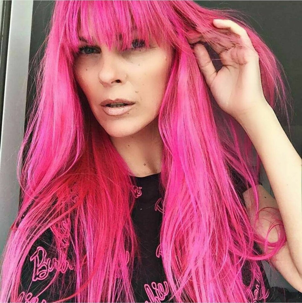 SMINKEEKSPERTEN: Pia Ruud er makeup-artist og frisør, og jobber med både modeller og kjendiser, i tillegg til å undervise ved Makeupartist Skolen.