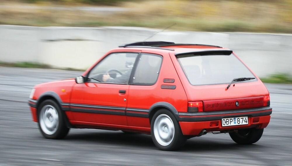 KLASSIKER: 205 GTI er en legende blant de små lommerakettene fra 80-tallet.