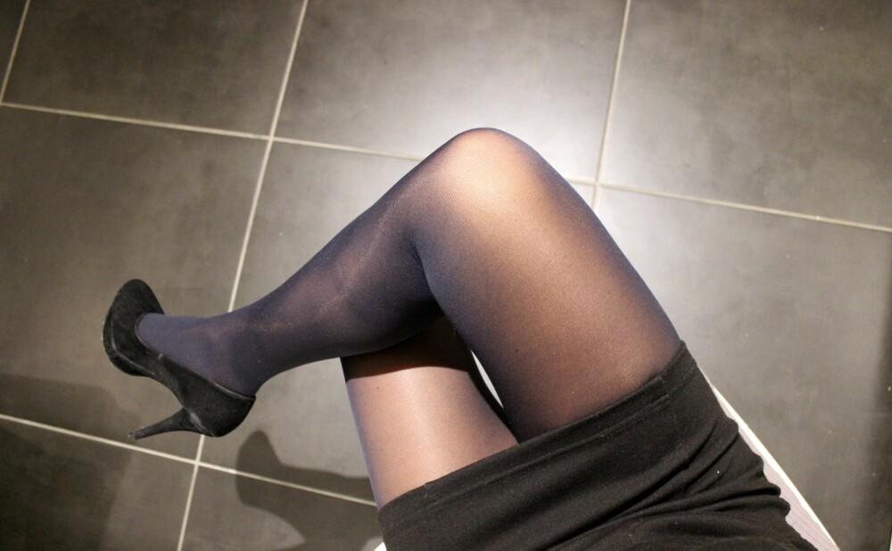 BLÅ, 70 DEN: En blå strømpebukse kan være fint, så lenge det er et poeng med å bruke den, mener stylistene.