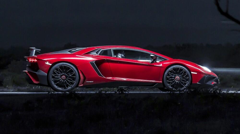 NATTA: Natt i Aventador SV – den eneste tiden den virker diskret. Nei, egentlig ikke.