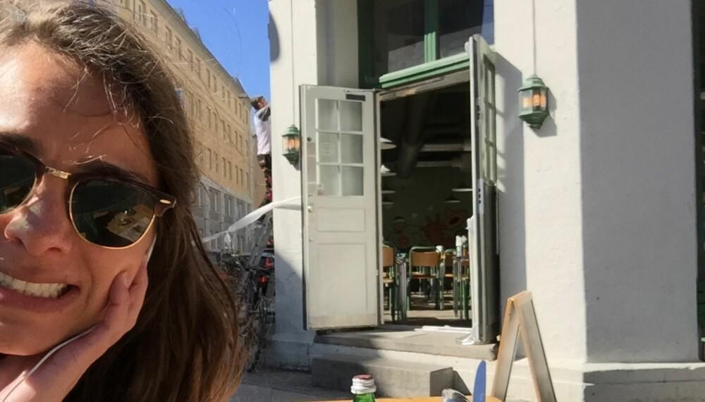 ENSOMT: Journalist i Det Nye Linn Isaksen synes ikke det var spesielt hyggelig å spise på restaurant helt alene.