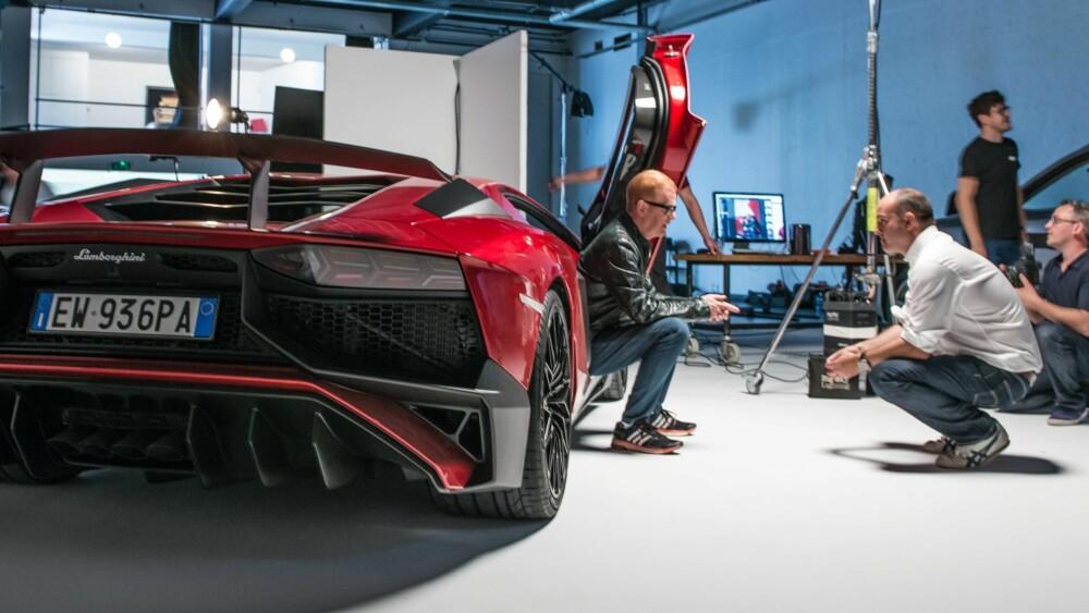 TOP GEAR: Sjefredaktør i Top Gear Magazine, Charlie Turner intervjuer Chris Evans og en Lamborghini Aventador LP 750-4 Superveloce.