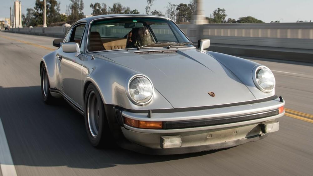 911: Ut å lufte enda en Porsche 911, denne gangen en Turbo.