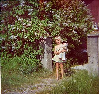 ENSOMT BARN: Ingen ville leke med lille Heidi. Hun fant trøst i lekedyret «Bamse».