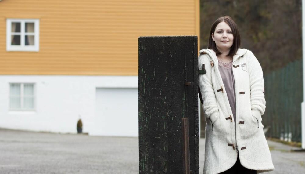 TILBAKEBLIKK: Her ved Frøland skole i Samnanger startet marerittet for Eileen. I dag er skolen nedlagt.