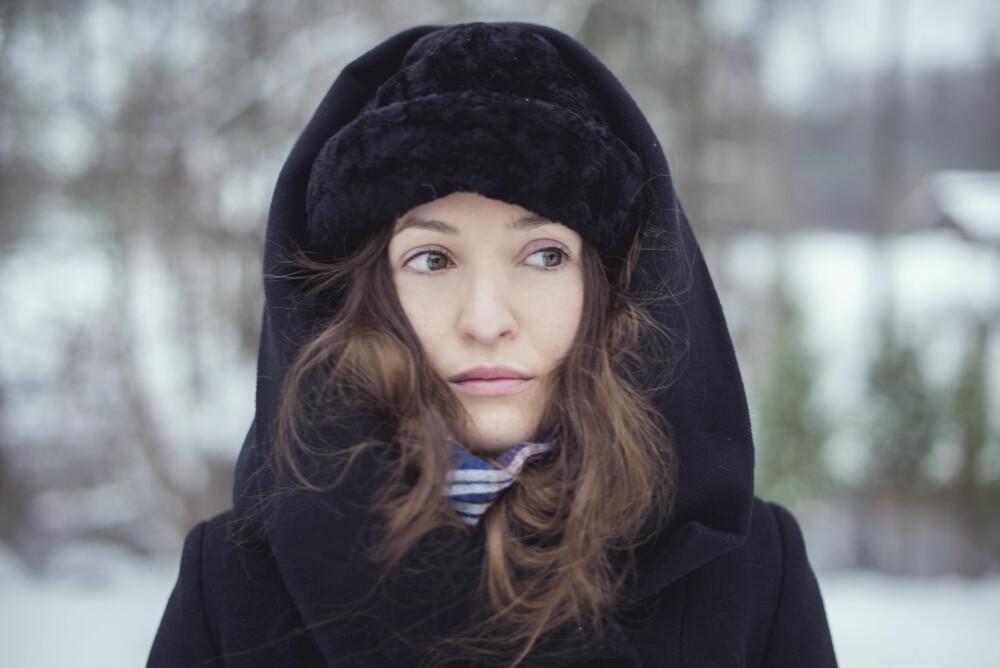 TILPASS RUTINENE: Kald og tørr luft tapper huden vår for fuktighet. Derfor er det vesentlig at du tilpasser fuktighetskremen til årstiden.