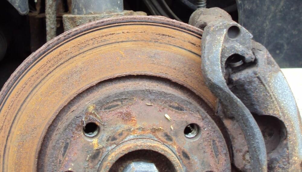 VANLIG FEIL: Rustne bremseskiver, spesielt på bakhjulene, er den vanligste feilen på EU-kontroll. Men det er lite du kan gjøre for å unngå problemet. Foto: Colin, Flickr CC/BY/SA