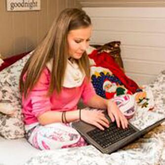 BLOGGET: Da Emilie (17) kom hjem begynte hun å skrive blogg om sykdommen. Det var en måte å bearbeidet alt som skjedde julen 2014.