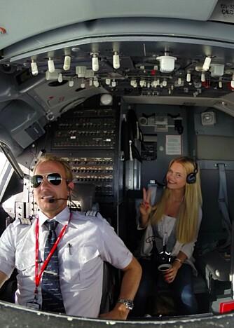 FORLOVET: Julianne gifter seg med piloten Ulrik.