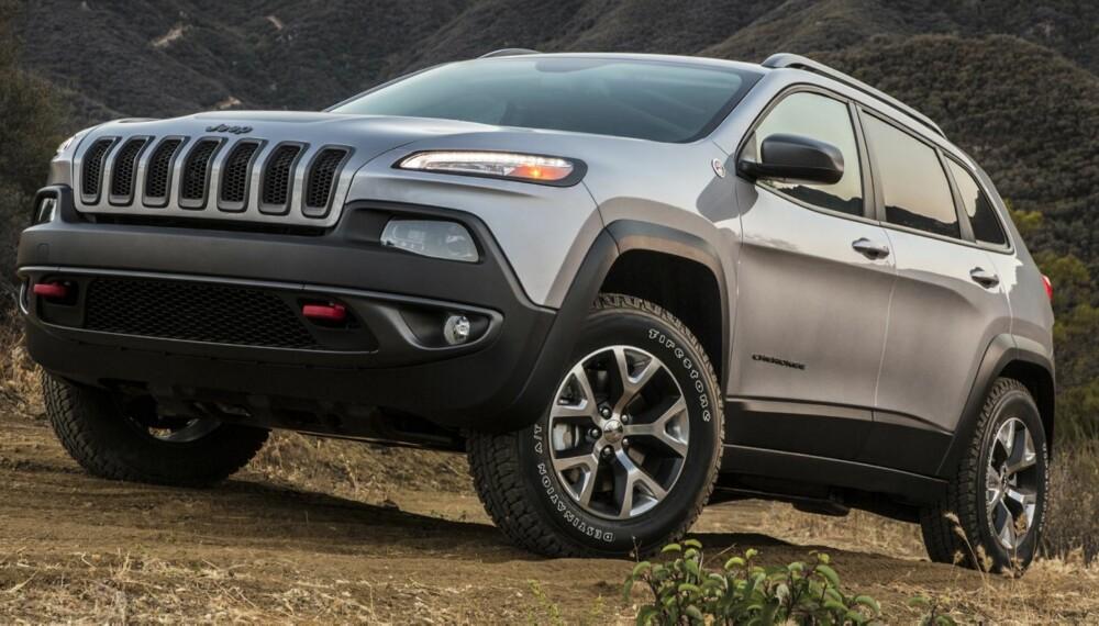MYE BEDRE BIL: Det er litt trist at frontdesignen på nye Jeep Cherokee tar så mye oppmerksomhet, på godt og vondt, for den er blitt en veldig mye bedre bil med flotte terrengegenskaper og tonn med teknologi til tøffingene. FOTO: Produsent