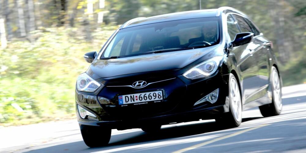DYRERE: Bensinversjonen av Hyundai i40 er dyrere enn dieselen og forbruker mer. FOTO: Egil Nordlien, HM Foto