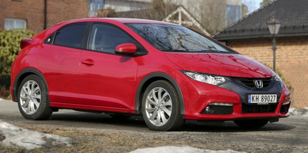 MESTERLIG: Honda kom i fjor med en ny 1,6-liters dieselmotor. Den gjør Civic rask og lettkjørt, men ikke minst bruker den minst drivstoff av alle biler vi har kjørt i testrunden. FOTO: Terje Bjørnsen
