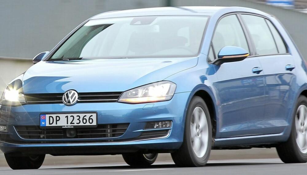 GOLF-KRIG: Er Norges mest solgte bil, VW Golf, best med bensin- eller dieselmotor? Testresultatene kan gi deg noen hint. FOTO: Petter Handeland