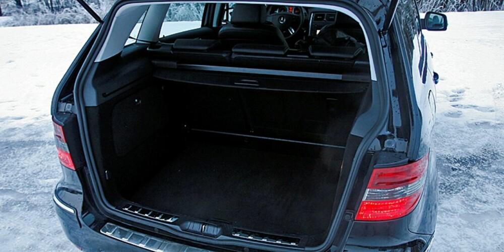 VINNER I HØYDEN: Mercedes-Benz B-klasse er litt høyere enn normalt, det tjener plass og romfølelse på.