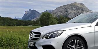 LANGTUR: Den første overraskelsen er hvor lettmanøvrert Mercedesen kjennes. Her snakker vi tross alt om en bil på 4,91 meter og 1845 kilo med fører: FOTO: Terje Bjørnsen