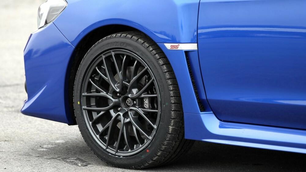 GJENNOMFØRT: Subaru har gjort en god jobb med chassi og hjuloppheng. Nye WRX STI kjører meget bra og går som en kule. Og bremsene står heldigvis i stil.