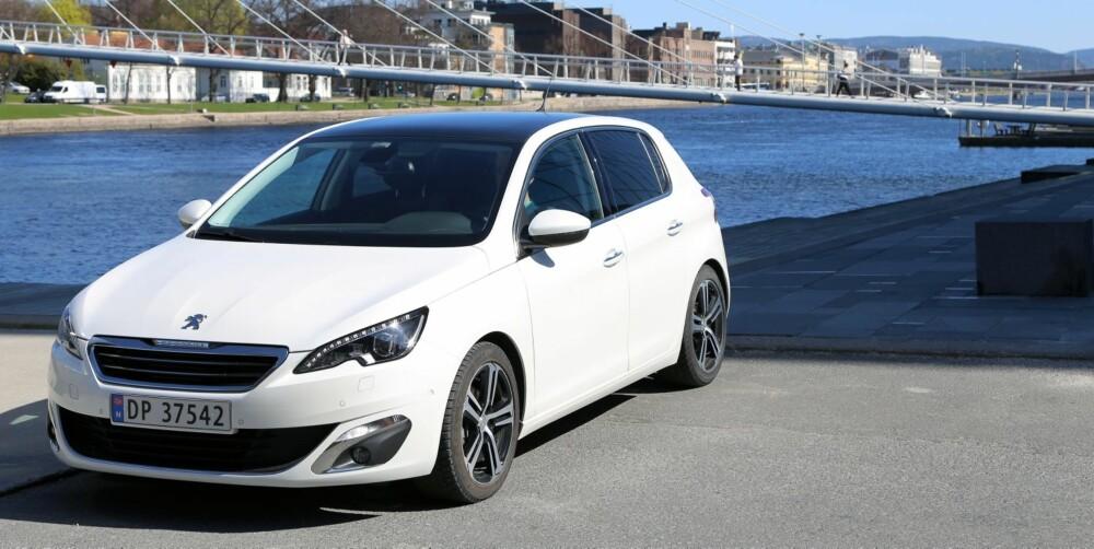 SER BRA UT: Peugeot 308 er en attraktiv bil. Stasjonsvogna er ventet i august.
