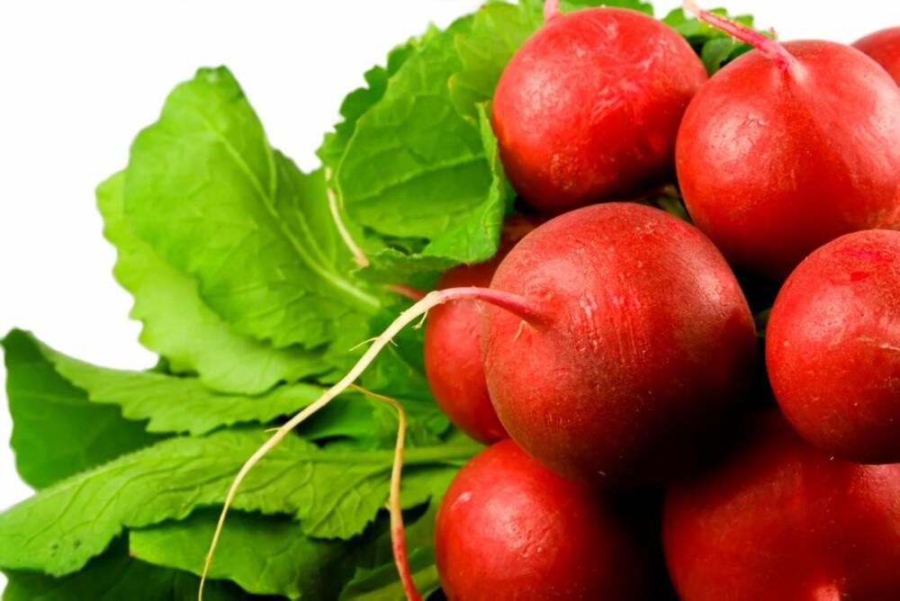 EGENDYRKET: De beste grønnsakene er dem du plukker fra egen kjøkkenhage.