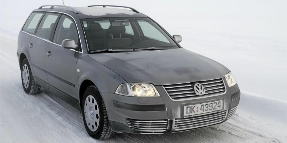 FOR NORSKE VEIER: VW Passat finnes også med den meget attraktive kombinasjonen av stasjonsvogn, diesel og 4WD.
