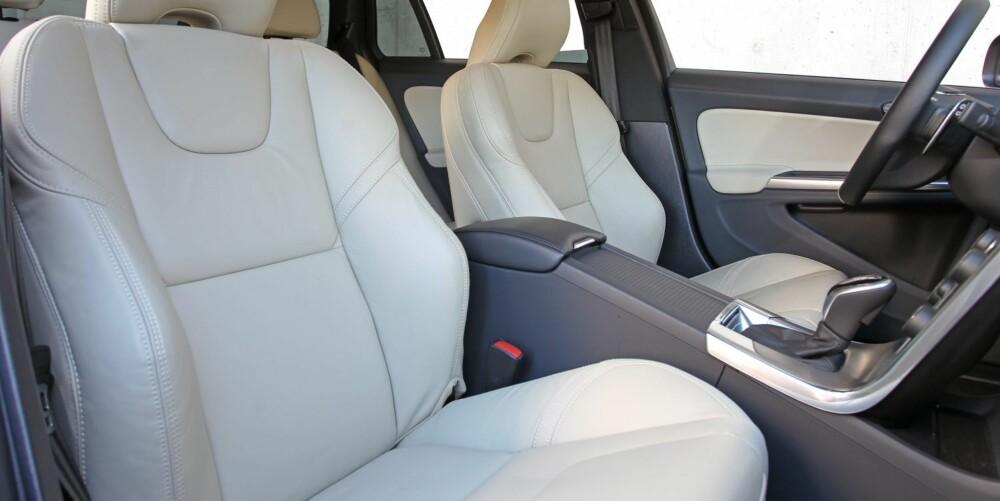 GODSTOL: Volvo er kjent for komfortable forseter. V60 er intet unntak. Sjåføren har dessuten svært gode justeringsmuligheter; for eksempel kan rattet trekkes langt ut. FOTO: Petter Handeland