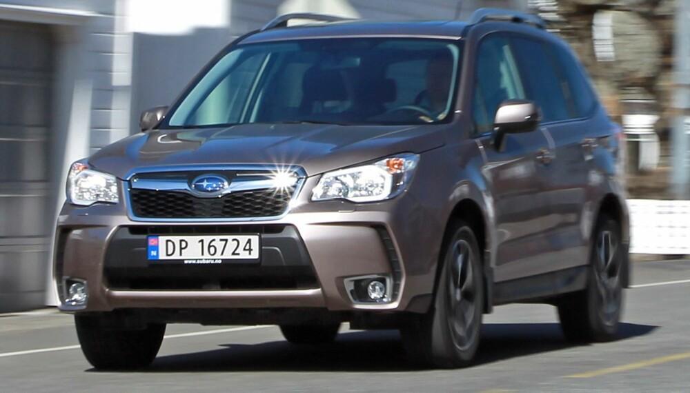 4X4: Subaru Forester har det vi mener er det beste firehjulsdriftssystemet blant familie-SUV-ene i dette prisleiet. Her er firehjulsdriften permanent, i de andre kobles bakhjulene inn ved behov. FOTO: Petter Handeland