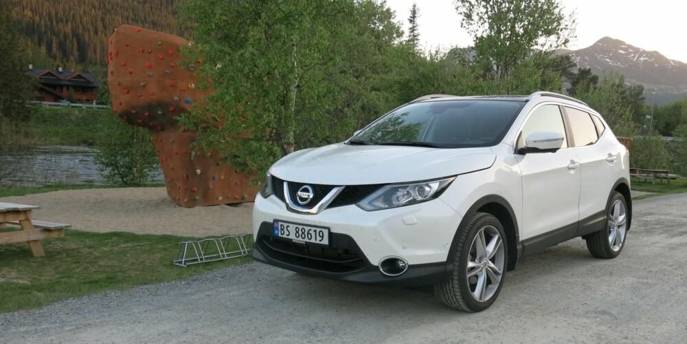 GODT KJØP: Nissan Qashqai 1,2 DIG-T koster fra hyggelige 239 000 kroner, mens den fullspekkede Teknaversjonen koster fra 293 000 kroner. Da får du mye fornuftig familiebil for pengene