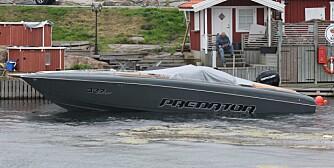 SISTE SKRIK: Dette er Predator Boats aller nyeste båt, noe mer nedtonet enn båten vi kjørte. FOTO: Martin Jansen