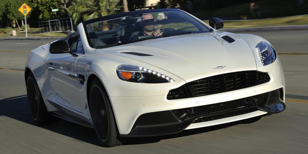 VAKKER. Du vet du kjører den mest velskapte og vakreste bilen som finnes i flere mils avstand. Du vet også at alle andre på veien er klar over det.