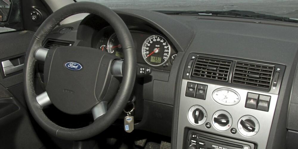 Interiøret fra 2001-modellen er enkelt, men funksjonelt.
