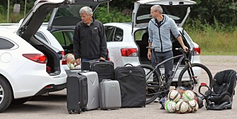 TEST: Fagredaktør og testsjef Terje Bjørnsen (t.v) og journalist Øyvind Jakobsen ser skeptiske ut. Er det noen av disse som tar fem kofferter? FOTO: Petter Handeland