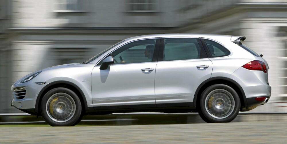 MER HARMONI: Linjene på nye Cayenne gjør bilen mer kompakt, selv om den faktisk er større.