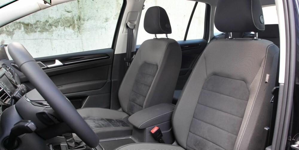 I HØYDEN: Sportsvan er bilen for deg som liker en høy og oversiktlig sittestilling. Her setter du deg rett inn, ikke ned og inn.