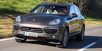 POWER: Selv om den 382 hk sterke Cayenne S Diesel veier 2,2-tonn og gjør 0-100 km/t på 5,7 sekunder, nøyer den seg med et normforbruk på 0,82 l/mil. FOTO: Porsche