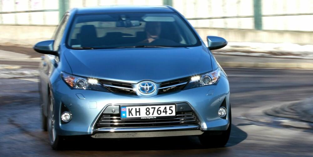 NY: Egenskapene til den nye Toyota Auris Hybrid taler for å velge nytt fremfor brukt.