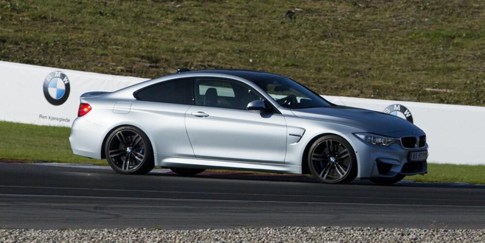 SKUFFELSEN: Jeg opplever BMW M4 som en skuffelse fordi overivrig elektronikk gjør det umulig å kjenne skikkelig på bilen.