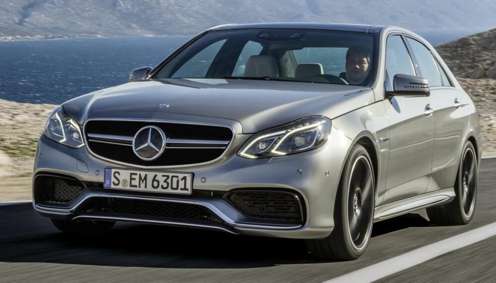 S-MODELL: S-versjonen av Mercedes E63 AMG med 4Matic gjør 0-100 km/t på vanvittige 3,6 sekunder. BMW M5 bruker 4,4 sekunder. FOTO: Daimler AG