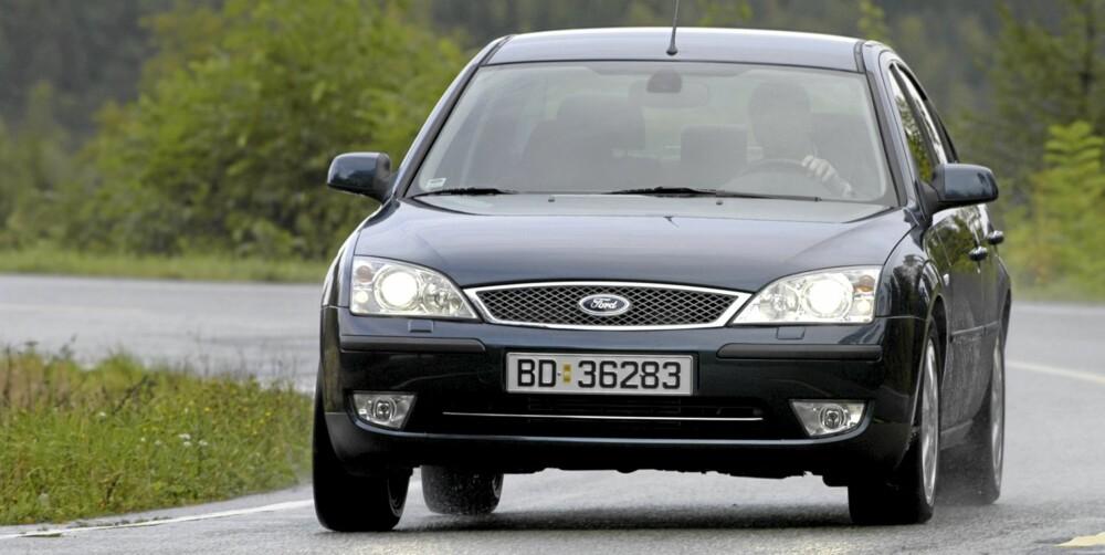 SMÅ SJEKKES: Både dagens generasjon og forrige generasjon (bildet) av Ford Mondeo anses gode bruktbiler. FOTO: Terje Bjørnsen
