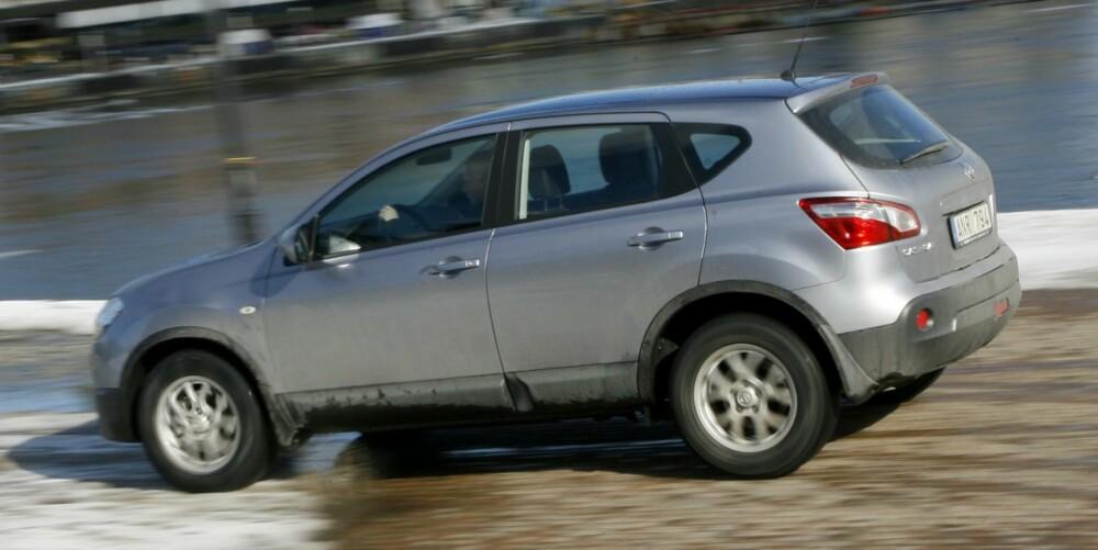BLANDING: Nissan Qashqai kombinerer fordelene fra kompaktbil og SUV. FOTO: HM Arkiv