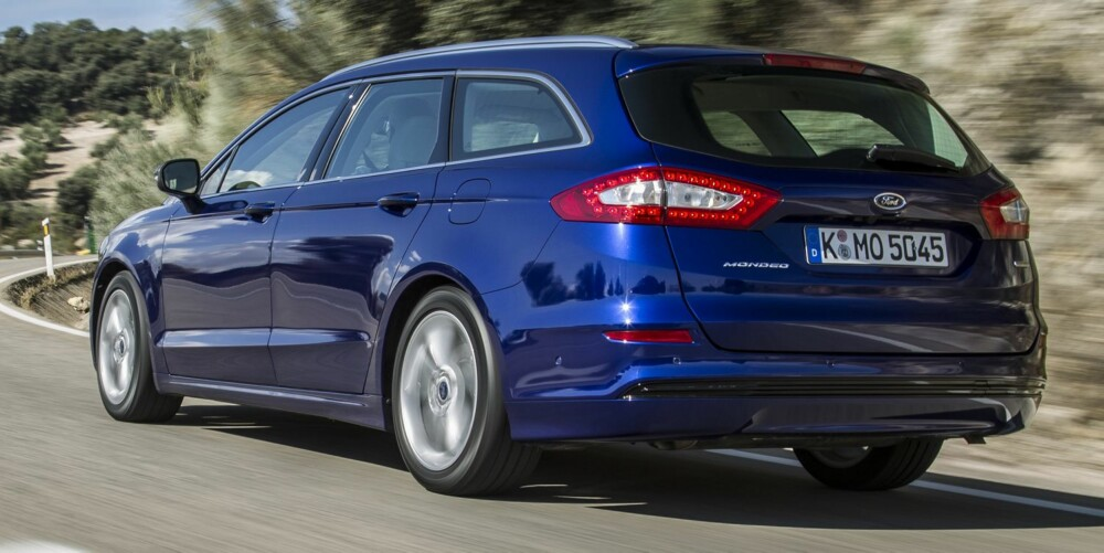 RAUS: Selv om flere av konkurrentene i oppgitte tall har større bagasjeromsplass, er det ingenting som tyder på at Ford Mondeo blir en trang bil.